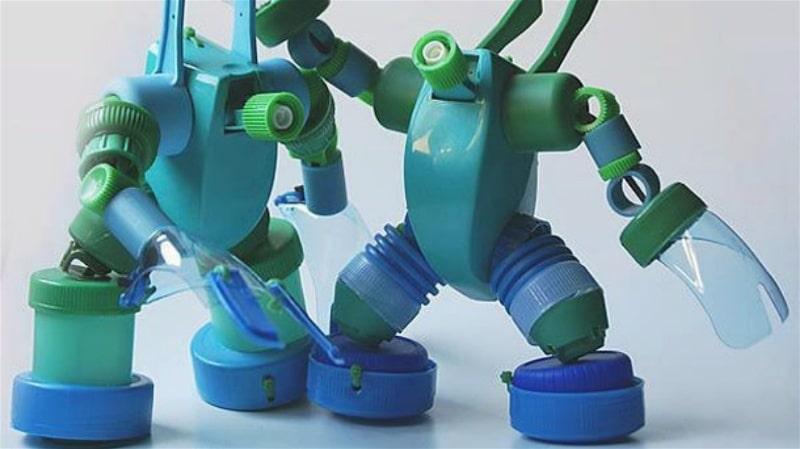 robôs-de-garrafa-pet