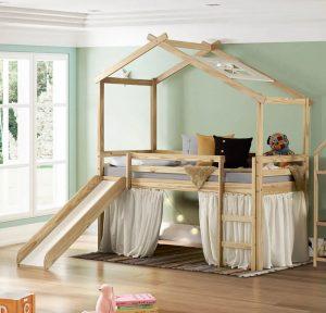 Cama infantil tipo casinha com telhado e tenda