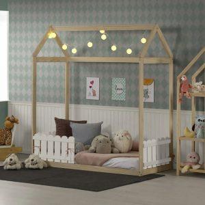 mini cama montessoriana com cerquinha e telhadinho
