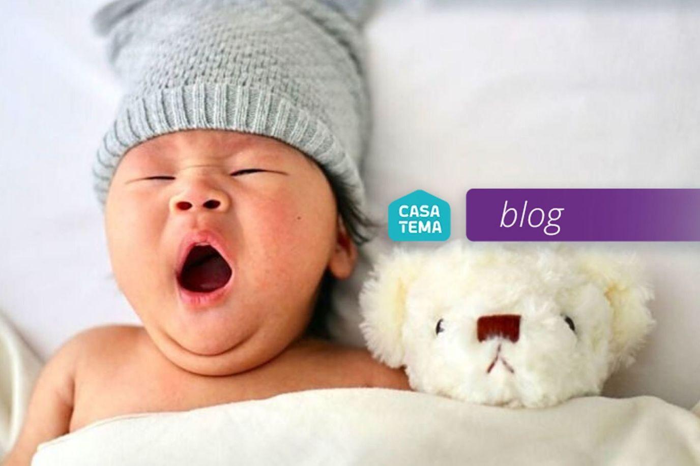 bebê abrindo a boca dormindo