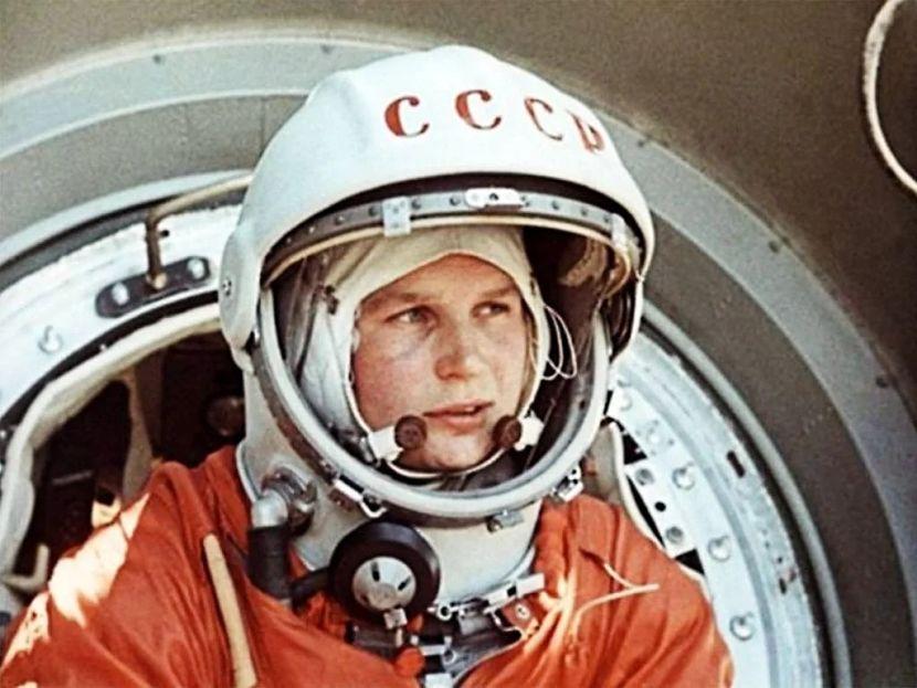 Valentina Tereshkova primeira mulher a ir ao espaço