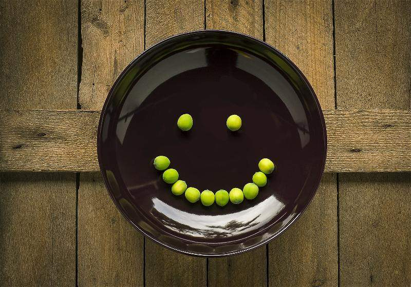 prato com ervilhas sorriso