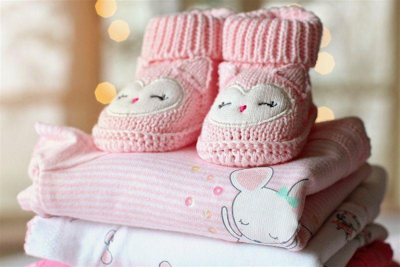 Roupa e sapatinho de nenem
