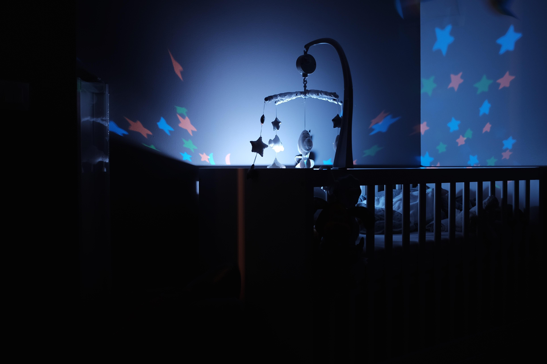 luz noturna ara quarto de bebe